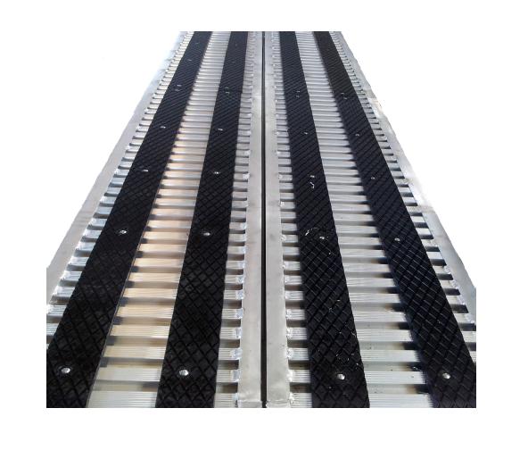 Rivestimento in gomma per coppia rampe 3 5 metri per for Rampe di carico in alluminio prezzi